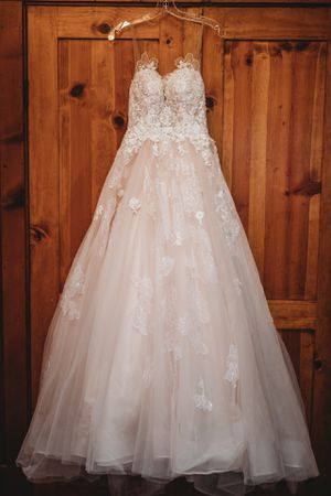 Essence of Australia wedding dress for Sale in Fremont, CA
