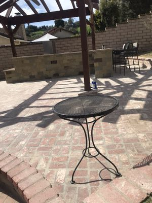 5 metal table for Sale in Los Angeles, CA