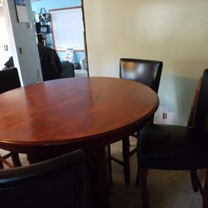 Table With 4 Chairs for Sale in Elma, WA