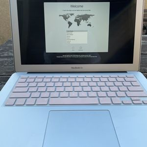 MacBook Air 13 Inch (2017) for Sale in Modesto, CA