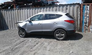 Hyundai Tucson for parts out 2015 for Sale in Opa-locka, FL