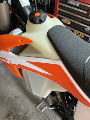 2020 ktm 250 XCF stock tank 2.25 gallons brand new for Sale in New Smyrna Beach, FL