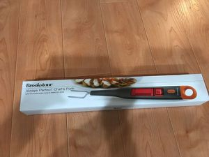 Brookstone Always Perfect Chef's Fork with Digital Meat Thermometer NEW IN BOX (ORIGINAL COST $114+!) for Sale in Seattle, WA