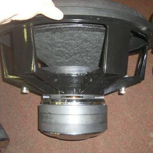 Sundown Audio X18 D2 Subwoofer Dual 4ohm for Sale in Winter Haven, FL