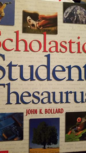 SCHOLASTIC STUDENT THESAURUS for Sale in Downey, CA