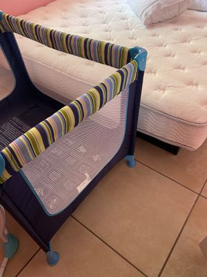 Portable baby crib , Cuna para bebe portatil for Sale in Phoenix, AZ