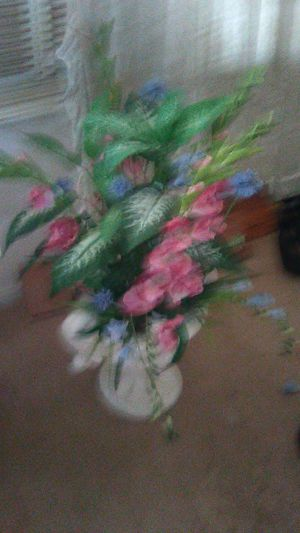 2 artificial flowers vase for Sale in Tracy, CA