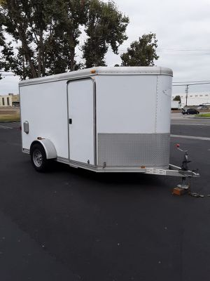 Aluminum Featherlite enclosed trailer top of the line trailers on the market NO OFFERS NO TRADES CASH ONLY FIRM ON THE PRICE NO LESS for Sale in CTY OF CMMRCE, CA