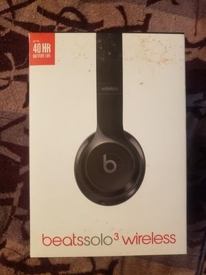 Beats solo 3 wireless headphones for Sale in Los Angeles, CA