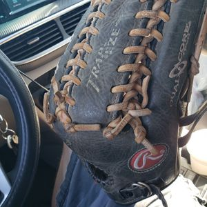 "Rawlings 12 3/4"" Trapeze Dual Core Baseball Glove For Right Hand Throw for Sale in West Covina, CA"
