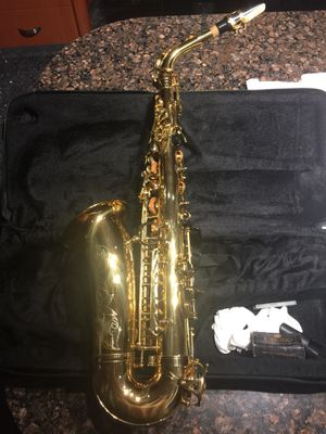 Saxophone made in france in good cond ,back to scool😄 for Sale in Jackson, NJ