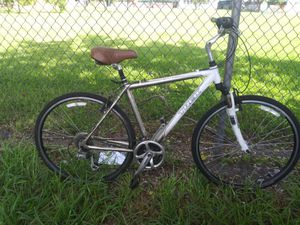 Trek 7200 hybrid bike for Sale in Oakland Park, FL