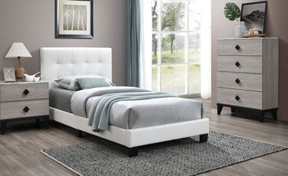 Full Bed F9568f for Sale in Pomona,  CA
