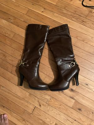 Boots W/Heel Tall Mid Calf Height for Sale in Sugar Hill, GA