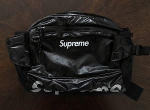Supreme FW17 Black Fanny Pack Waist Bag for Sale in Los Angeles, CA
