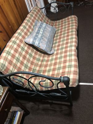 Nice condition Futon for Sale in West Seneca, NY