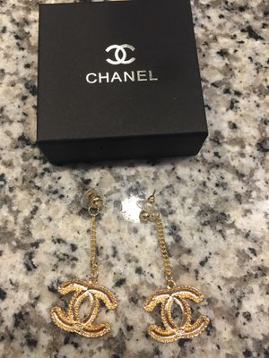 Gold earrings new with box for Sale in Berthoud, CO