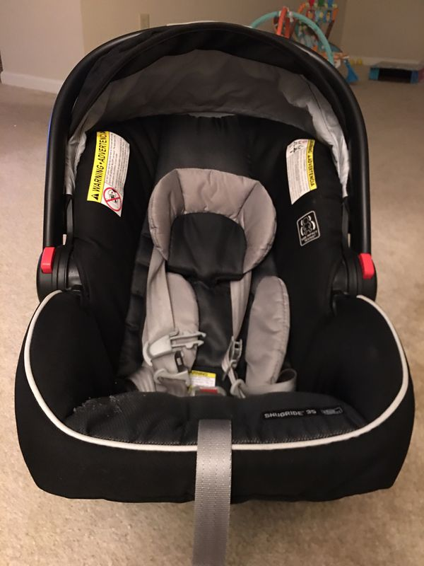 Graco infant click connect car seat(10 months old) with base and free new never used head supporter