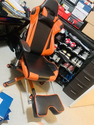 Gaming chair for Sale in Rancho Cucamonga, CA