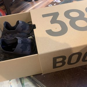 Yeezy 380 onyx for Sale in West Covina, CA