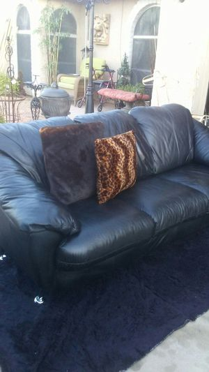 Beautiful black sofa for Sale in Phoenix, AZ
