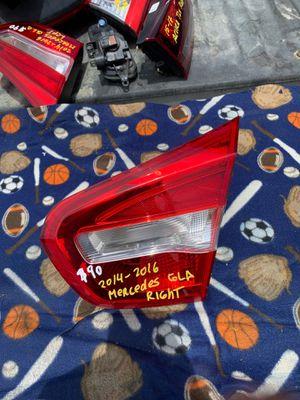 2014-2015-2016 MERCEDES GLA TAILGATE LIGHT RIGHT PASSENGER SIDE OEM for Sale in Gardena, CA