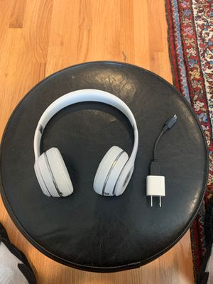 Basically New Beats Solo3 Wireless Headphones for Sale in Tigard, OR