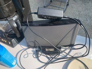 Bose dock speaker with aux cord for Sale in Newton, MA