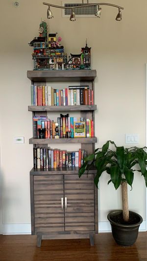 Bookshelves from gallery furniture for Sale in Houston, TX