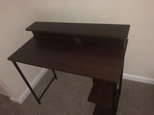 Personal computer desk for Sale in Alexandria, VA
