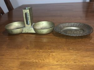 TWO ANTIQUE CHINESE ASHTRAYS ONE IS A DUAL ASHTRAY WITH A MATCH BOX HOLDER IN THE CENTER. for Sale in The Bronx, NY