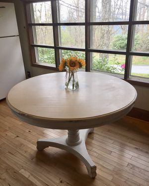 Shabby Chic pedestal table! for Sale in Franklin, TN