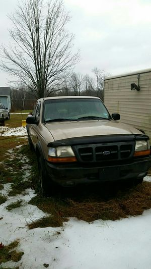 Ford Ranger XLT 4X4 for Sale in Litchfield, CT