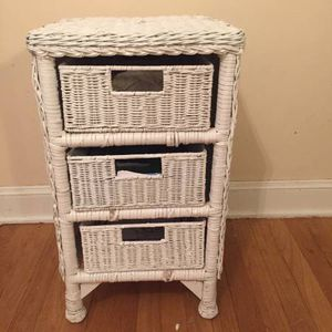"""Used, WHITE WICKER 3-DRAWER CHEST STAND TABLE: 26"""" x 15"""" x 15"""" for Sale for sale  Metuchen, NJ"""