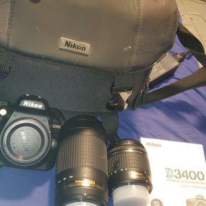 Nikon D3400 DSLR W/DX LENSE for Sale in San Antonio, TX