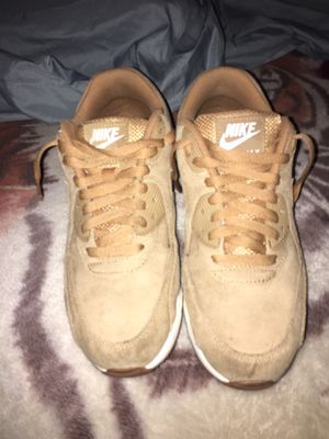Nike Air Maxes Size 8.5 for Sale in Phoenix, AZ