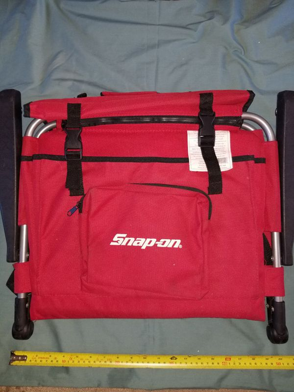 Snap-on padded Stadium seat