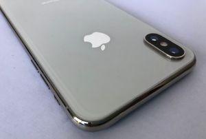 iPhone X 64GB UNLOCKED for Sale in Miami Beach, FL
