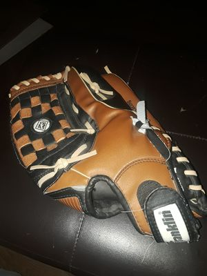A man's Franklin softball glove used only one season in excellent condition asking $30 or best for Sale in Phoenix, AZ