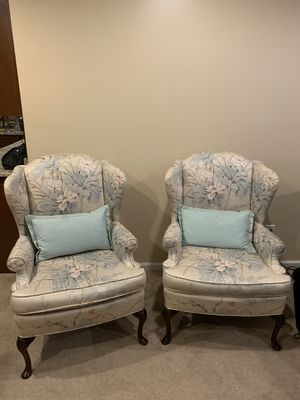 COUCH CHAIRS for Sale in North Olmsted, OH
