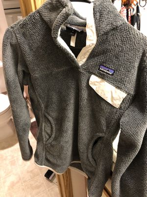 Women's fleece Patagonia size m for Sale in Lynnwood, WA