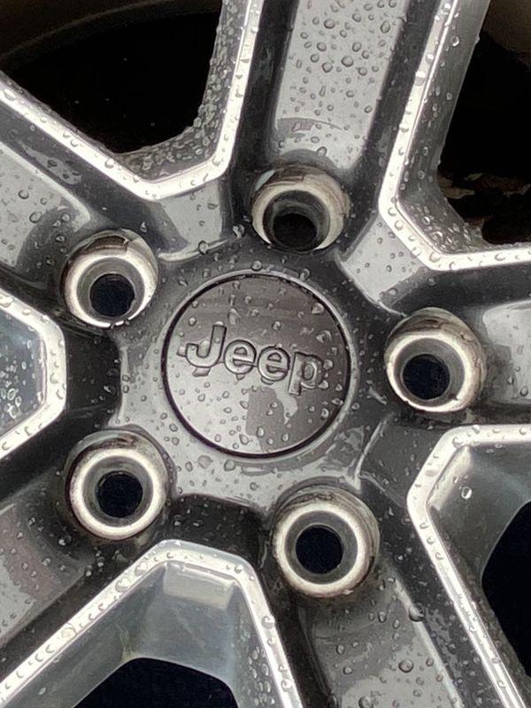 "18"" Stock Jeep Wheels"