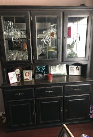 China hutch for Sale in Lake Elsinore, CA