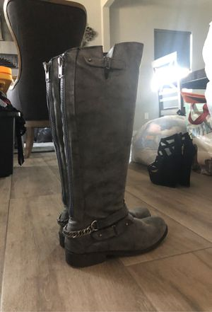Size 8 boots great condition for Sale in Clovis, CA