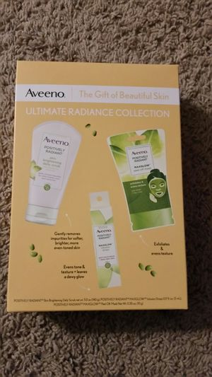Aveeno Ultimate Radiance Gift Set for Sale in Goodyear, AZ
