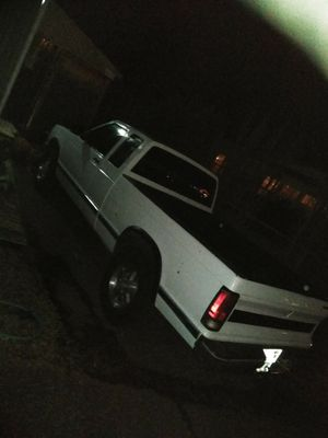 93 Chevy S10 4x4 4.3 Auto make a reasonable offer or trade. for Sale in Gresham, OR