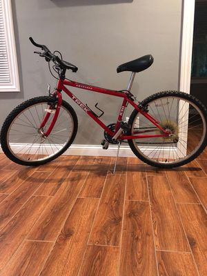 Vintage Red Trek 830 Antelope Mountain Bike for Sale in Chicago, IL