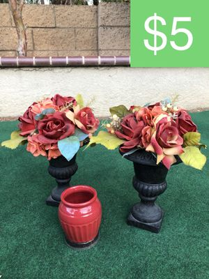 2 FLORAL HOME DECOR PIECES + RED VASE (SELLING ALL FOR $5) for Sale in Corona, CA