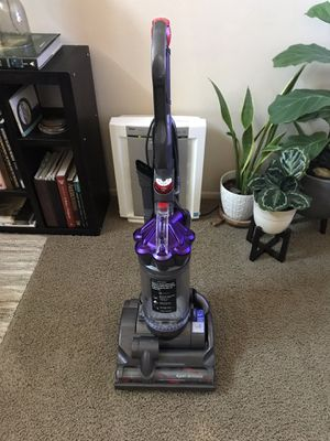 Dyson DC28 Airmuscle Animal Vacuum for Sale in Santa Ana, CA