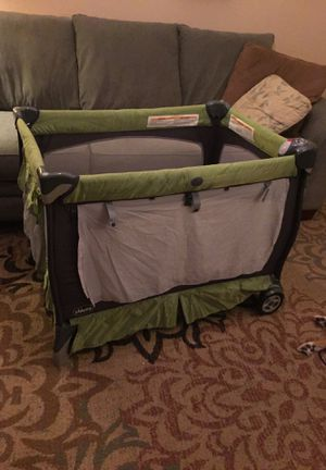 Chicco Lullaby XL Pack N Play, Bassinet, Changing Table for Sale in Columbus, OH